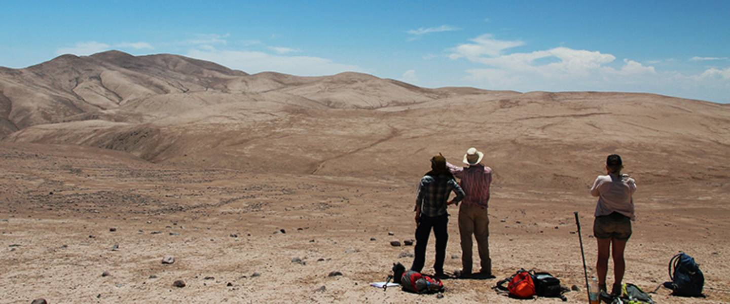 Field work 2015 Chile Atacama Desert - Sampling for erosion rate determination