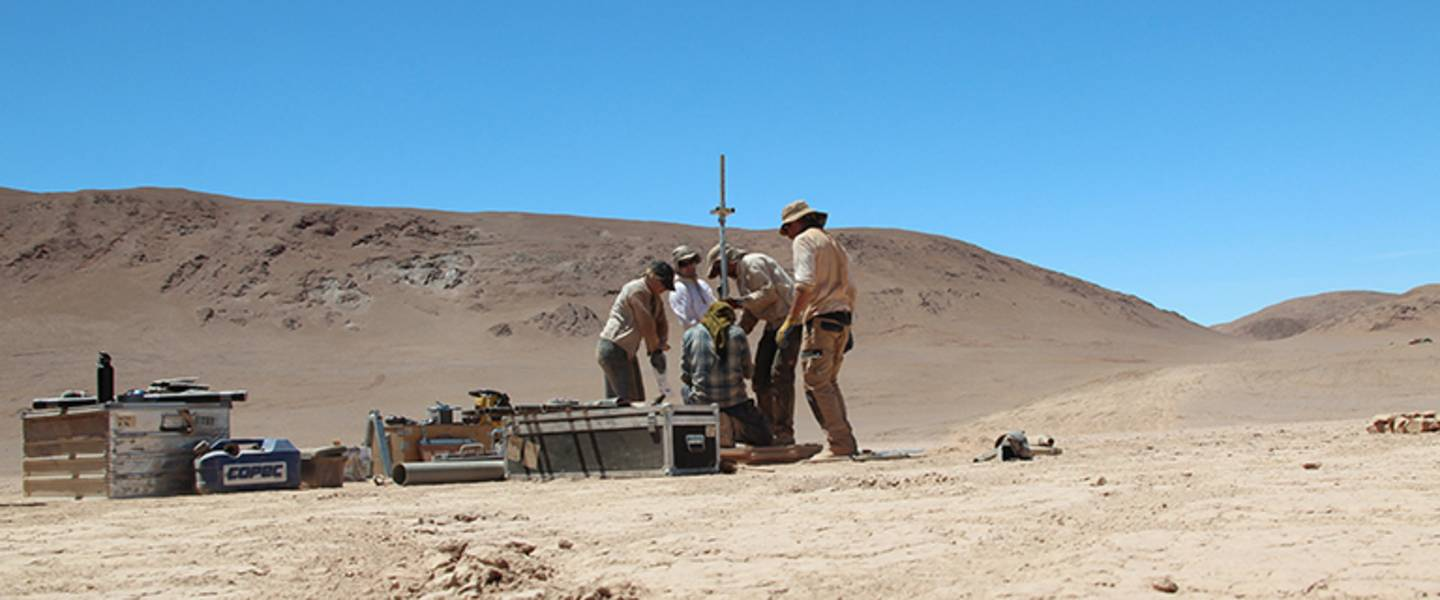 Field work 2015 Chile Atacama Desert - Drilling of clay pan deposits